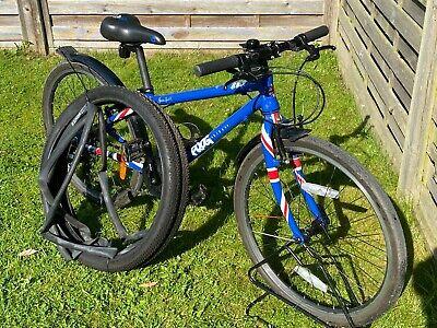"Frog 62 Bike. Union Jack, for 8-10 yr olds. 30.5cm Frame, 24"" Wheels, 8 Gears"