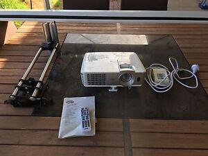 "BenQ W1070 1080p Full HD 3D Projector + 120"" screen + bracket Lewiston Mallala Area Preview"