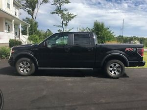 2013 f150 fx4 only 64,000 kms