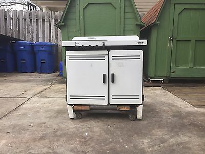 Vintage Magic Chef gas stove