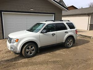 2009 Ford Escape XLT - Great Condition