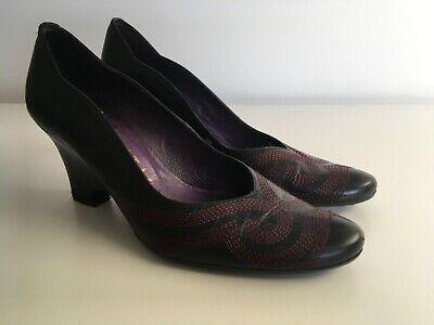 Hispanitas black leather wedges with pink stitching size 6