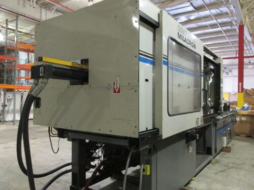 440 Ton Cincinnati-Milacron Injection Molding Press (1998)! Excellent Condition!