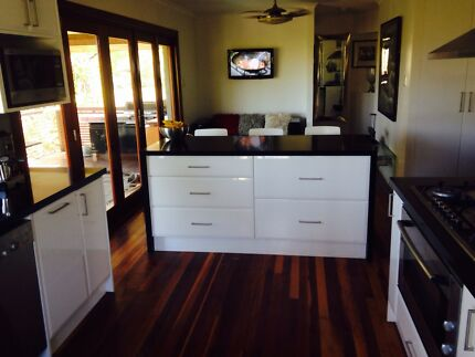 $3500 Quality two pack kitchen, 40 mm granite tops s/s appliances Narangba Caboolture Area Preview