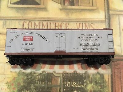 MICRO TRAINS N-Scale 49310 Wood Side Reefer Green Bay & Western 9243 for sale  Lawrence Township