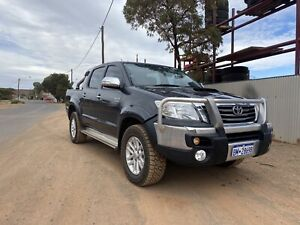 Toyota Hilux 2015 automatic