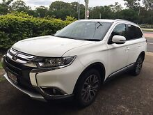 2015 Mitsubishi Outlander only 11,800k's!!!!!! Only 7 months old!!! Rochedale South Brisbane South East Preview