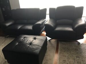 Moving sale - Leather sofa - love seat + 2 ottoman