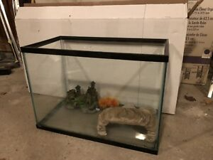 30 Gallon fish tank with accessories