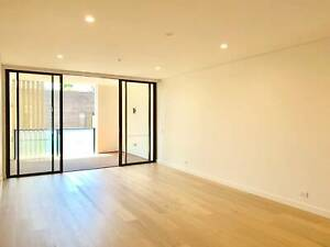 Brand New 3 Bed 2 Bath 2 Car Space, Available to move in now!
