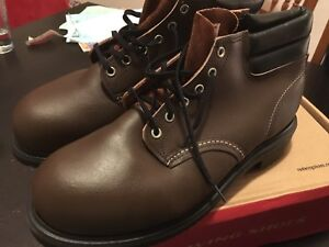 Men's Red Wing Steel toe boots.  New Old stock