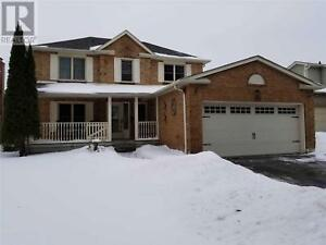 136 EVENSONG DR Whitby, Ontario