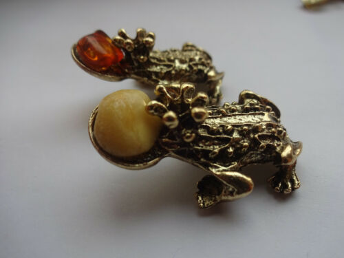 Good Luck MONEYT TWO FROG - Wealth Luck Happiness Amulet With Baltic Amber