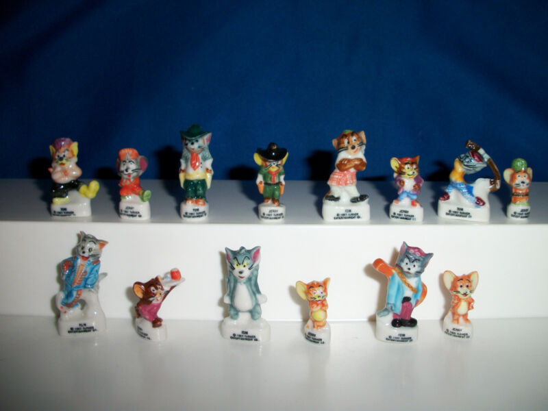 TOM & JERRY SET of 14 Miniature Figurines FRENCH PORCELAIN FEVES Tiny Figures