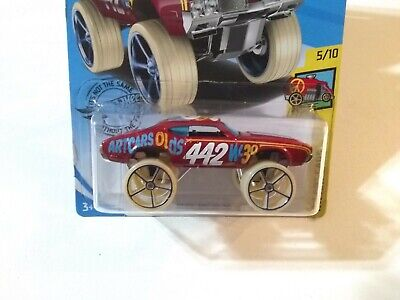 Hot Wheels Art Cars: Olds 442 W-30 (FYC24)