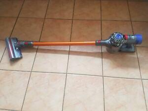 DYSON ABSOLUTE  V 8 VACUUM CLEANER