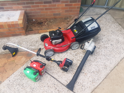 Lawn Mower Whipper Snipper Blower Package