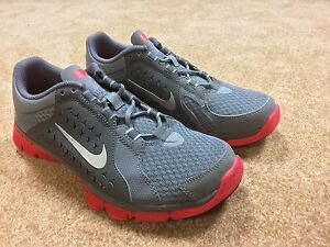 Nike Runners (Mens 8)