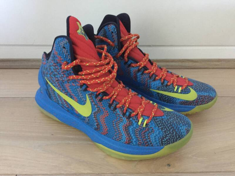 Nike KD 5 Christmas - Size 10.5 US | Men\'s Shoes | Gumtree Australia ...