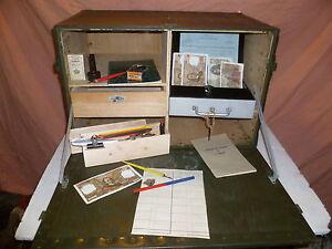 malle militaire bois g nie sanitaire. Black Bedroom Furniture Sets. Home Design Ideas