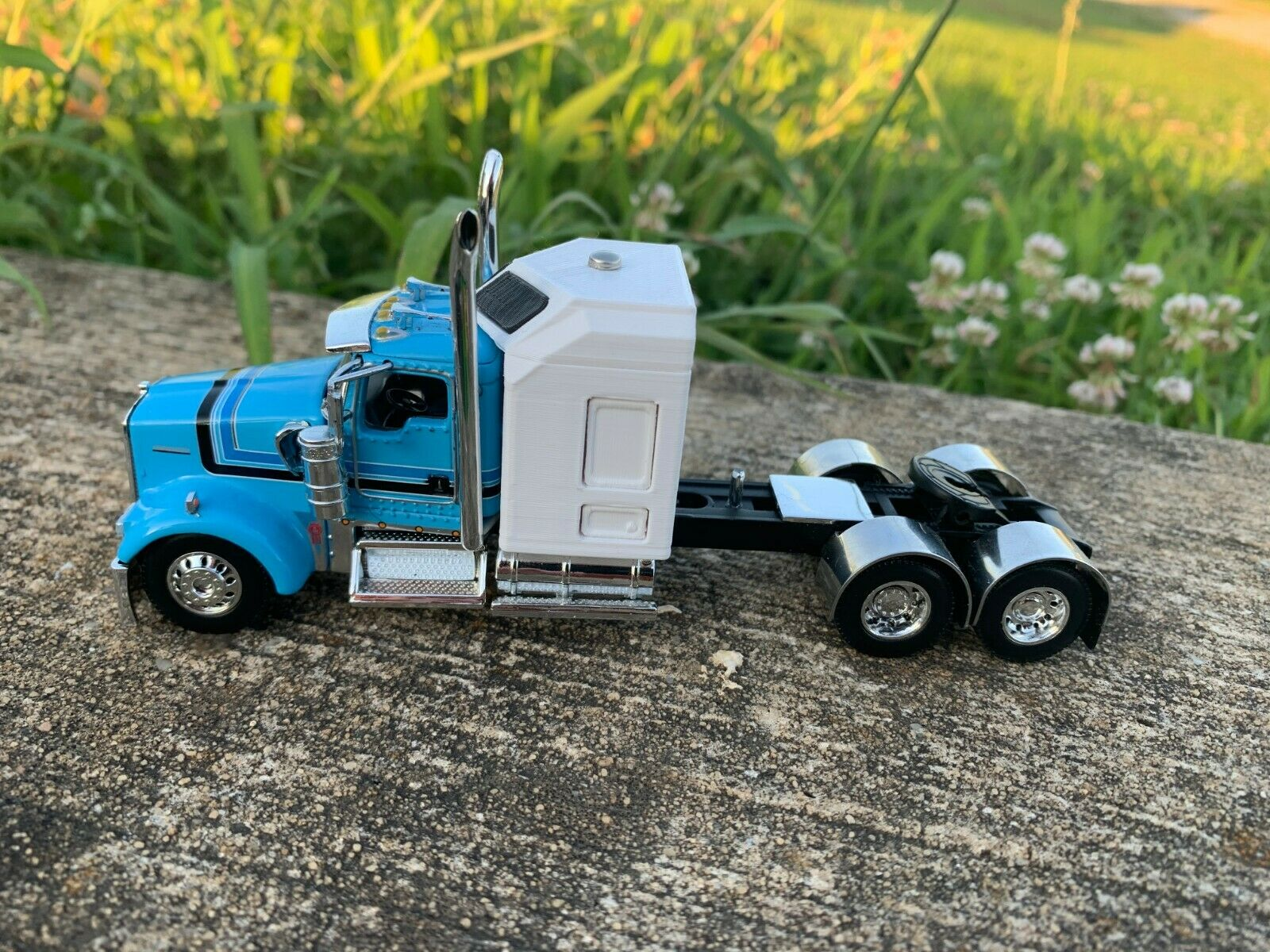 DCP 1/64 Kenworth W900 3D Printed 6 Piece Sleeper kit