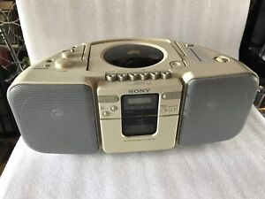 Sony CFD-20 CD Radio Cassette Player Boombox