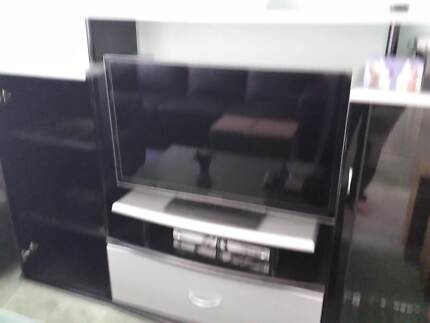 High gloss black tv unit Belgrave South Yarra Ranges Preview