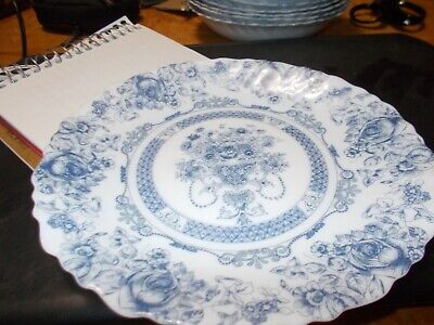 """VINTAGE ARCOPAL HONORINE BLUE AND WHITE SALAD PLATE 7-1/4"""" MADE FRANCE"""