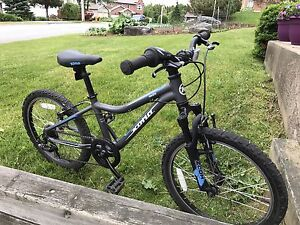 Kona Mekena Mountain Bike
