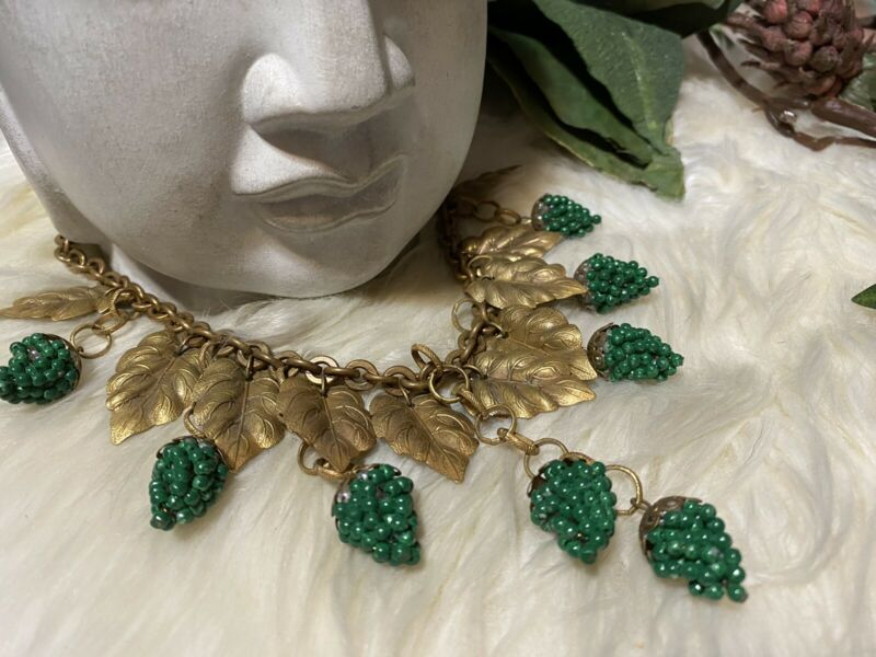 Miriam Haskell Early Rare Dangly Green Grape Clusters Bib Style Necklace!!! A16