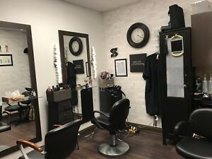 Hairstylist chair in private suit to share .