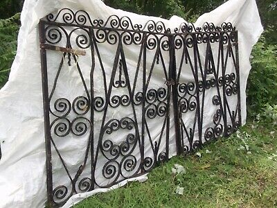 LARGE VINTAGE DOUBLE DRIVEWAY GATES   ** 5 ft TALL **