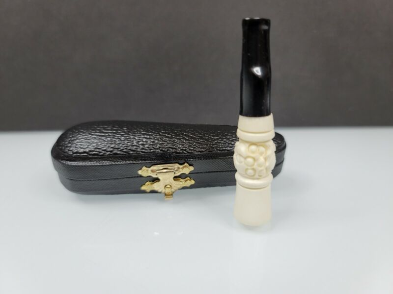 HAND CARVED MEERSCHAUM CIGARETTE HOLDER / PIPE / ONE HITTER W/ FITTED CASE