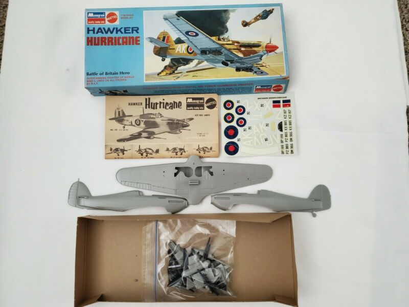 WORLD WARII ROYAL AIR FORCE HURRICANE FIGHTER HAWKER MODEL KIT COMPLETE KIT