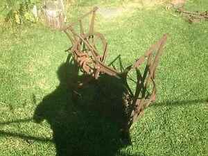 Antique singer sewing machine frame Frankston North Frankston Area Preview
