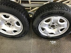 225/55/16 WINTER SNOW TIRES AND RIMS Oakville / Halton Region Toronto (GTA) image 1