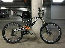 Lapierre DH920 2012 DH Team – Competition Edition – Large Eastwood Burnside Area Preview