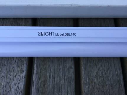 2 x ND Fluroescent slimline Linkable lights Low Energy Carlton Melbourne City Preview