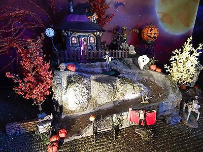 HALLOWEEN,  WINDING ROAD Display Base Platform, Dept 56 Village, cemetery