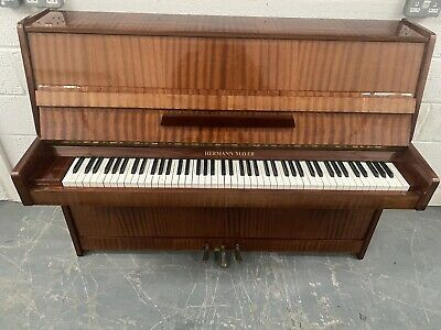🎵🎹**CAN DELIVER** QUALITY MODERN SHINY UPRIGHT PIANO *** CAN DELIVER**🎹🎵
