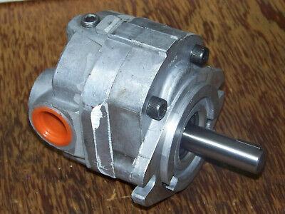New Cross 40m005dacs Bi-directional Hydraulic Gear Motor 34 Key Shaft 40 Series