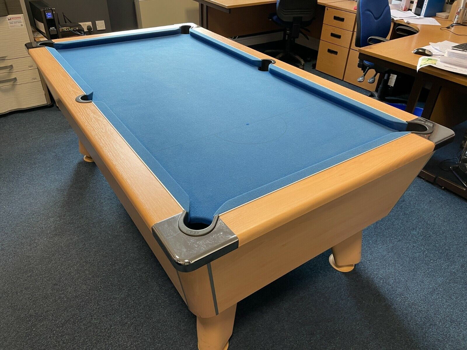 Pool Table 6ft Slate bed, with balls and Cues