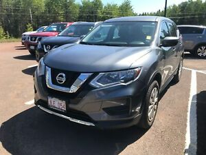 2017 Nissan Rogue S- BACK UP CAM! ALLOYS!