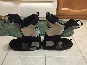 Intuition size 8/9 ski boot liner