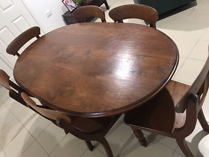 Dining Table And Chairs Negotiable Cairns