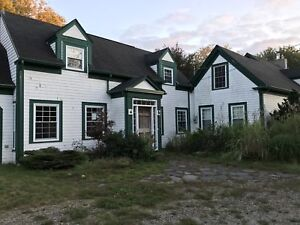 Spacious century home minutes from Town of Shelburne