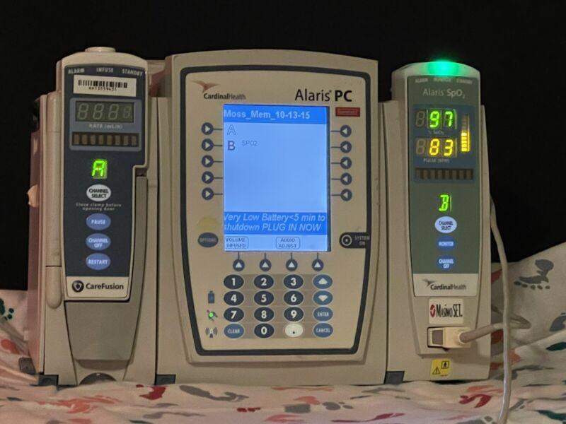 Alaris 8100 Series Infusion Pump w/Infusion Module and Spo2 Module