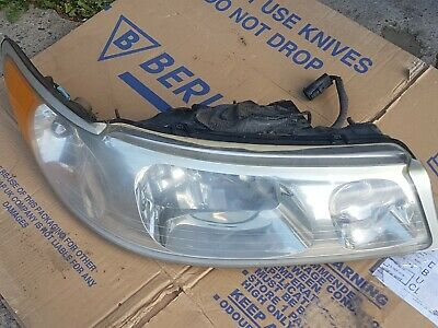 2001Lincoln Town Drivers Side RH Headlamp Headlight Halogen Assembly PL351