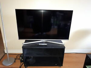 "Samsung 40"" uhd smart tv"