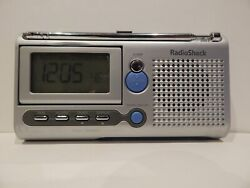 Radio Shack AM/FM Big Display Dual Alarm Traveling Clock Radio 12-220